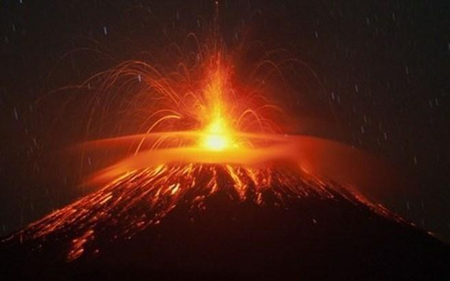 Μία ανάσα πριν εκραγεί ηφαίστειο στην Κόστα Ρίκα