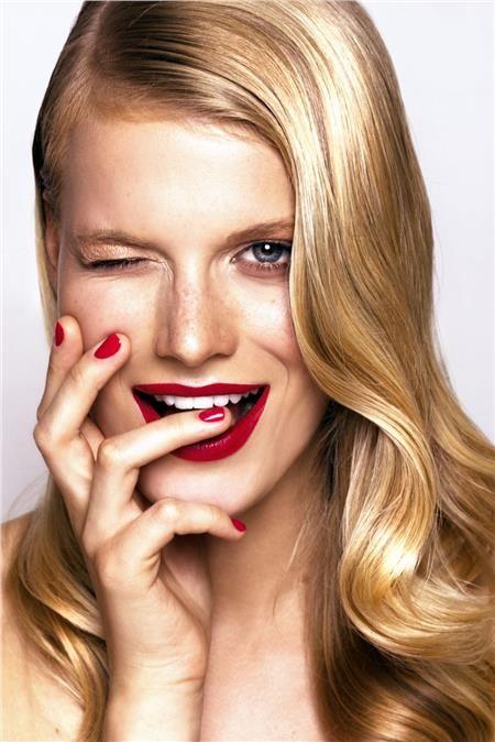 DIY: Λεύκανση δοντιών με φυσικούς τρόπους που ίσως δεν έχεις ξαναδιαβάσει!