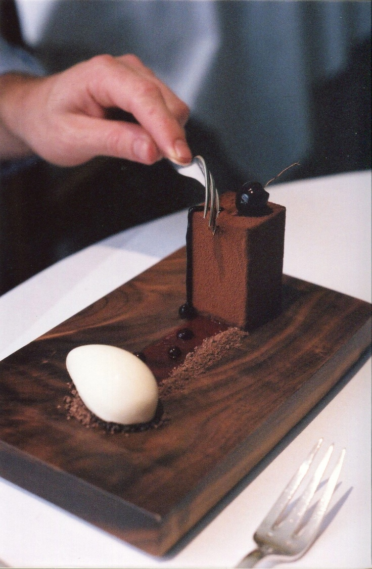 BFG - The Fat Duck-- I like that wood for plating
