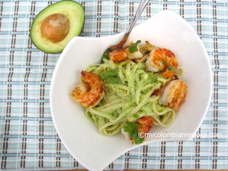 Pasta with Avocado Sauce and Garlic Shrimp