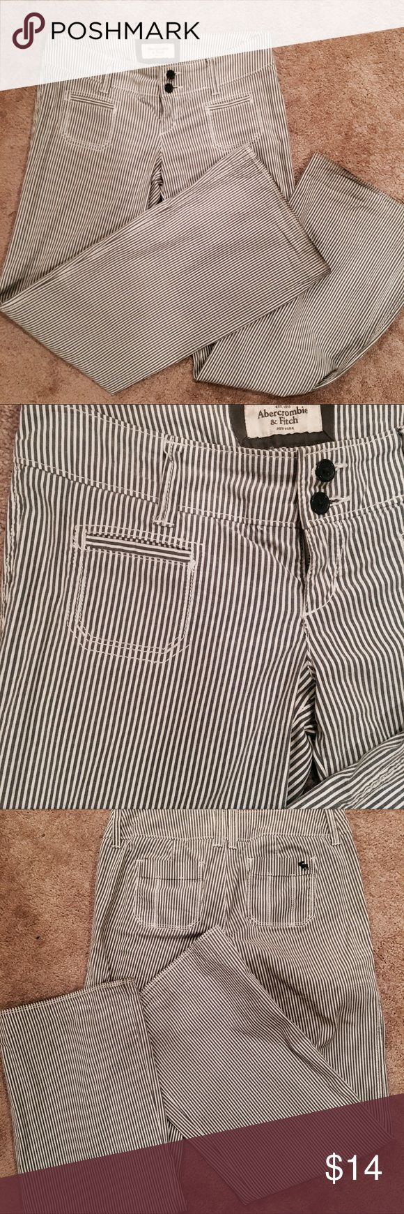 Abercrombie and Fitch Pinstripe Trousers Wide leg. Cotton blend. Abercrombie & Fitch Pants Wide Leg