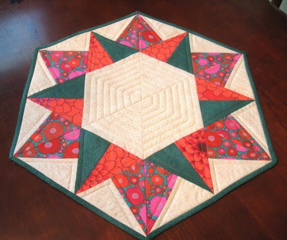 Happy Holidays Table Topper Google Image Result For Http://1.bp. Round  TableclothQuilted Table ToppersQuilt Table RunnersHoliday TablesHappy ...