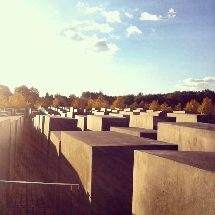 P.Eisenman - Jewish memorial