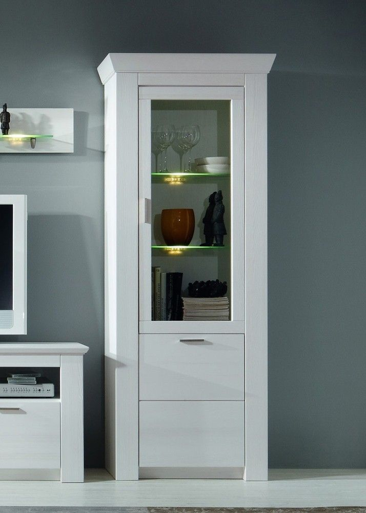 die 25 besten ideen zu vitrine wei landhaus auf. Black Bedroom Furniture Sets. Home Design Ideas