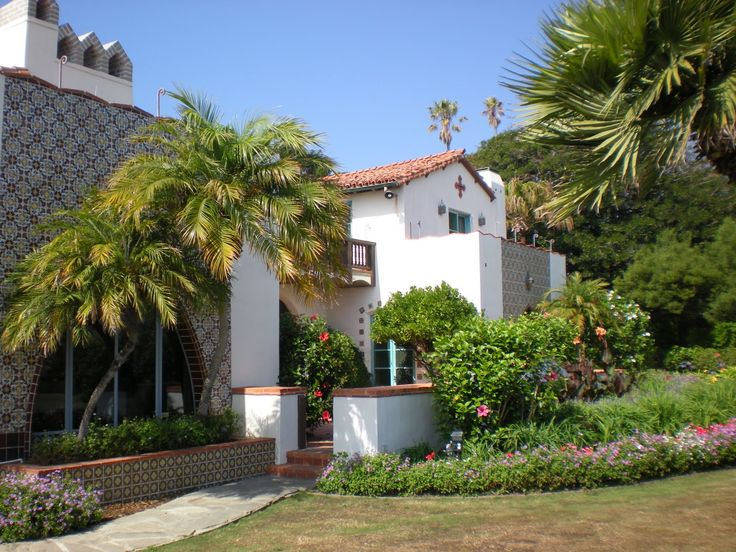 Adamson house 23200 pacific coast hwy malibu ca served for Santa barbara beach house