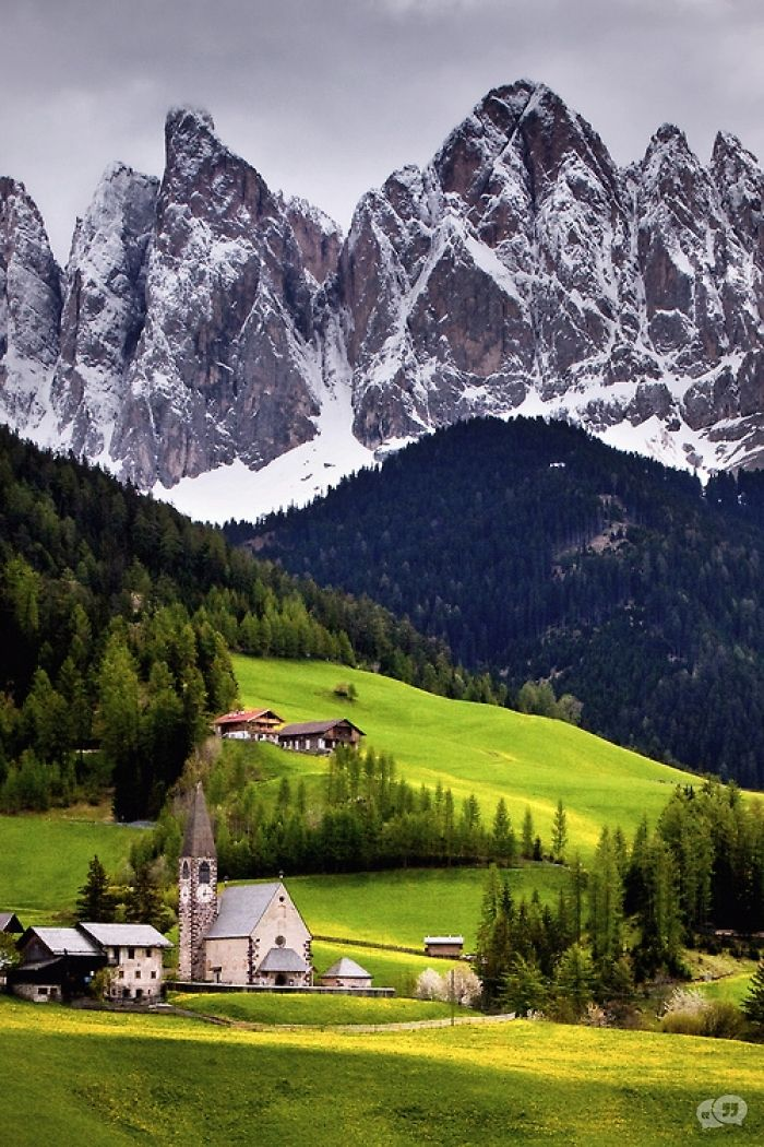 Church of St. Magdalena, Val di Funes, Italy – Amazing Pictures - Amazing Travel Pictures with Maps for All Around the World