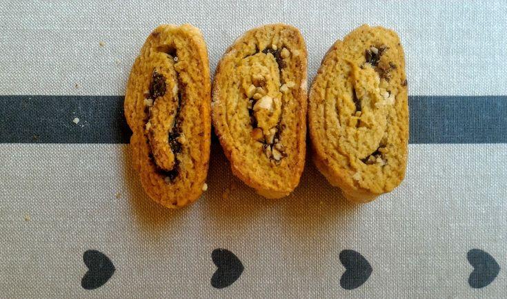 Biscotti arrotolati con Cioccolato e Nocciole al Grand Marnier
