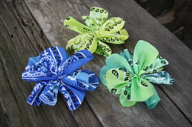 no-sew bandana flowers....could do with any fabric!