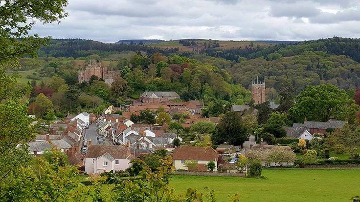 Als je op vakantie bent in Exmoor moet je het historische Dunster zeker niet overslaan. Waarom niet? Blogger Jolinda vertelt meer over Dunster met kinderen
