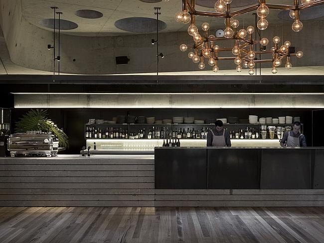 Lobby cafe and bar...