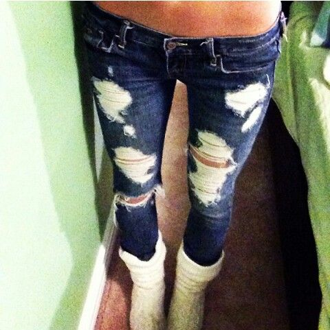 Hollister ripped skinnies