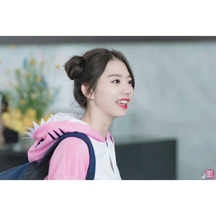 Photo by nakhasan #김소혜 #소혜 #sohye #kimsohye #mc #ceo #kpop #idol #kawaii #sugoi #photography #art #beauty #model #celebrity #movie #drama #love #hair #hairstyle #lifestyle #fashion #actress http://tipsrazzi.com/ipost/1515988646900200673/?code=BUJ36RuAvTh