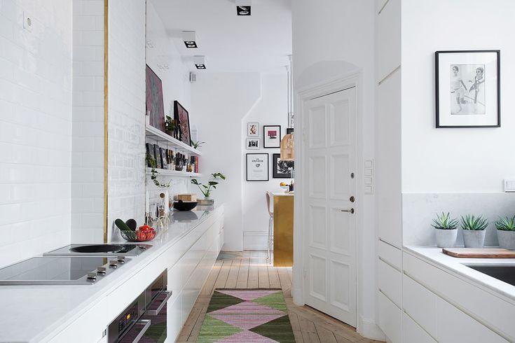 Ett köksbord i mässing och marmor | Brass&Gold