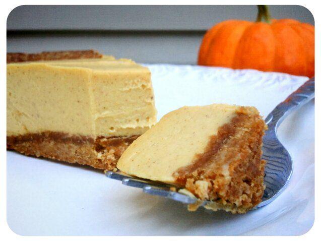 No-Bake Pumpkin Cheesecake - This recipe is egg-free, dairy free, gluten free, grain free, and sugar free.