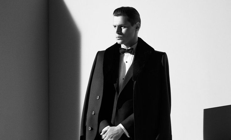 http://www.gq-magazine.co.uk/style/articles/2012-08/30/black-tie-guide-suit-shirt-how-to