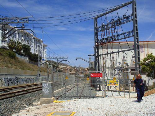 Iberdrola, Endesa, Gas Natural y Acciona pugnan por el mayor contrato de suministro de electricidad a la red ferroviaria en 2016