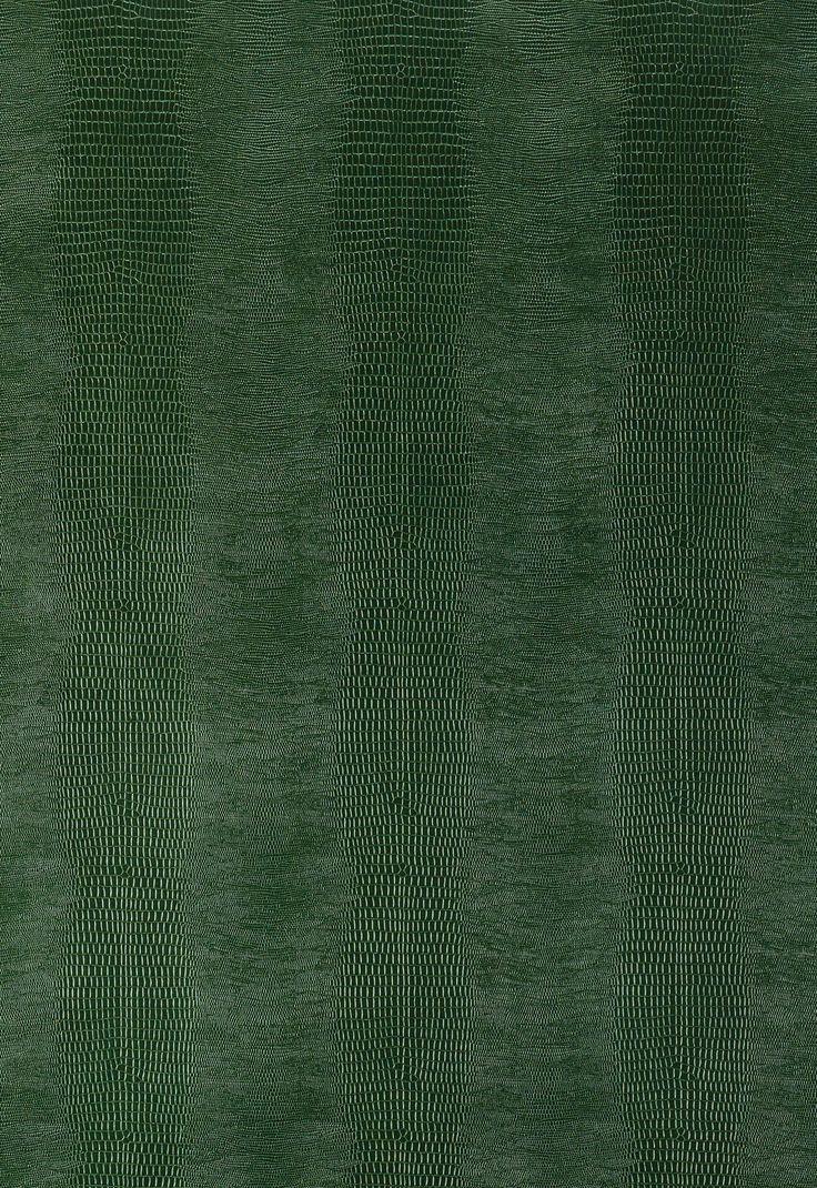 Wallcovering / Wallpaper | Komodo in Forest Green | Schumacher