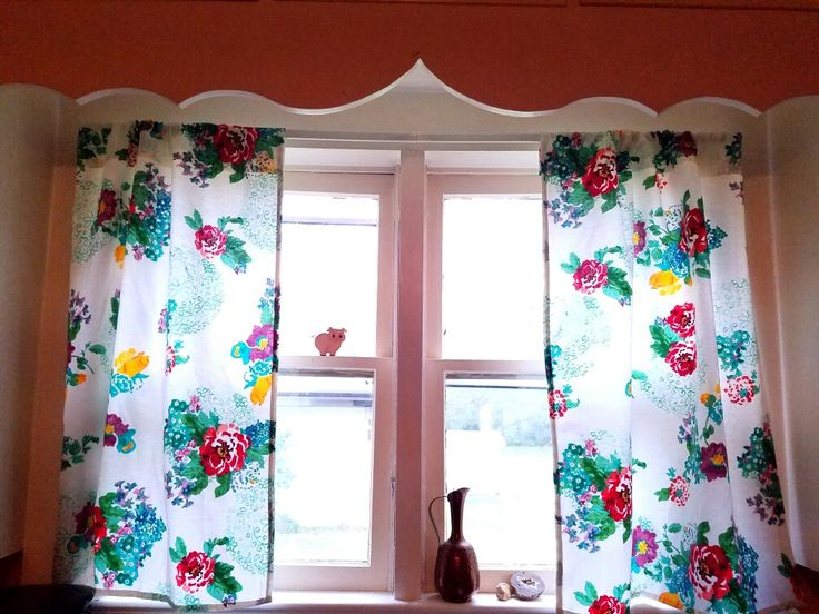 Beautiful floral curtains using The Pioneer Woman's rectangular tablecloth and non-sew tape! This added so much personality to my kitchen!