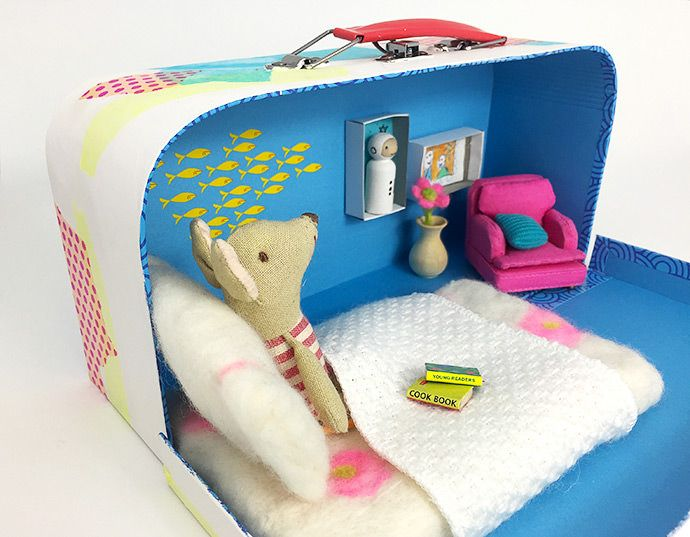 DIY Upcycled Suitcase Dollhouse