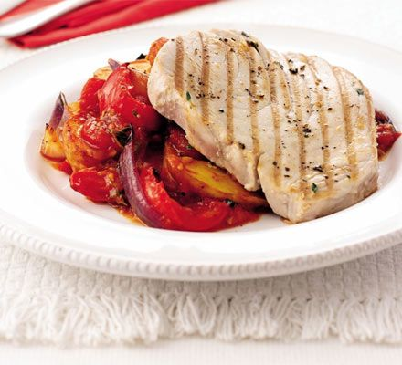 Tuna w/ Peppery Tomatoes & Potatoes:     Sweet peppers make a great addition to grilled meats and fish. A great al fresco meal with fresh flavours.    www.whenthingshurt.com