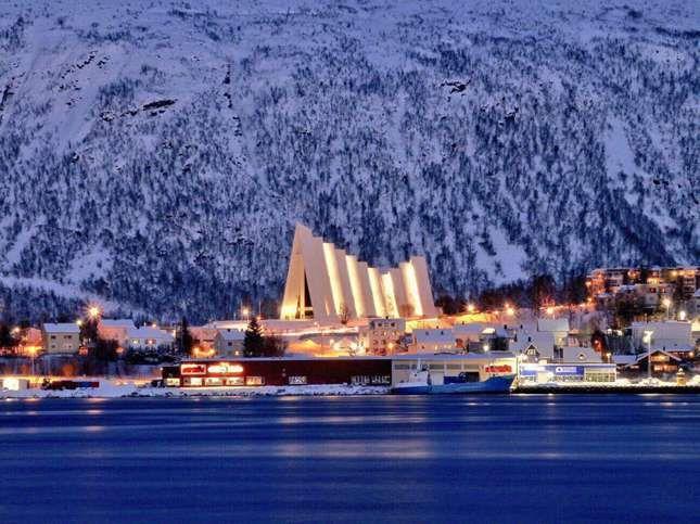 Que voir et que faire dans la région de Tromso en Norvège ? La destination est connue pour l'observation des aurores boréales, mais pas que..