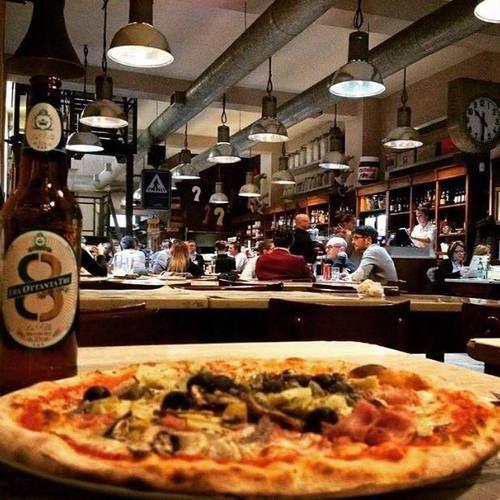 Fabbrica Pizzeria, Milano - Ampio ristorante industrial chic in una ex fabbrica che propone pizze originali e moderna gastronomia.