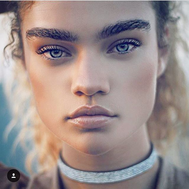 Kiana Alexis is to die for  @mskianaalexis #kianaalexis #kiana #alexis #topmodel #model #modelo #highfashion #fashion #mixed #mixedmodel #biracial #biracialmodel #ombre #curly #curlyhair #beautiful #lips #eyebrows #thosefeauturestho #modelrevolution #saturday