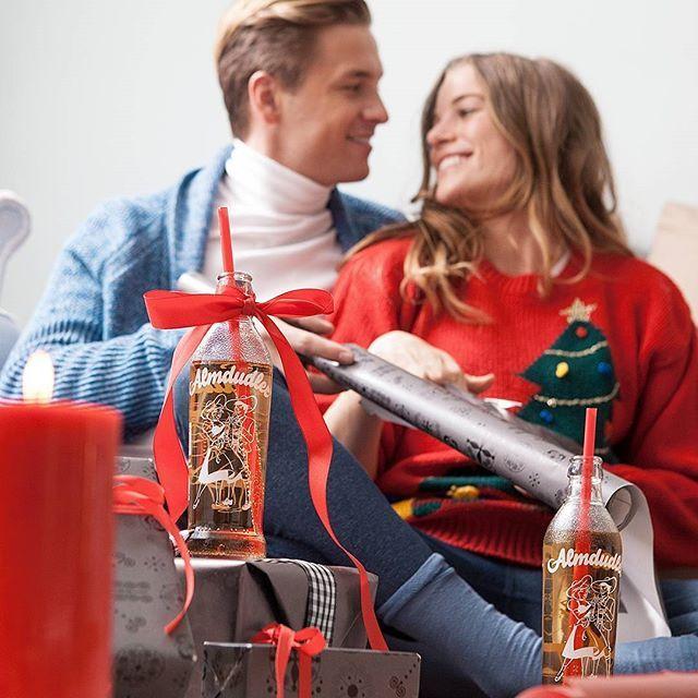 Auch im Weihnachtsstress braucht es Zeit für Dudel-Pausen 😁⏳#almdudler #lassunsdudeln