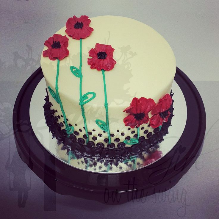 Smooth Cream with Poppies