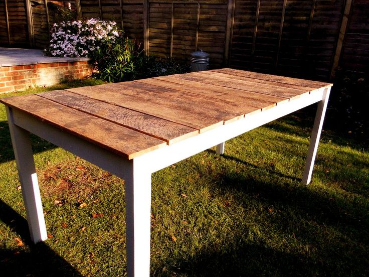 DIY Wooden Table.   I really want to make this and get some cheap mismatched chairs from Boyles and paint and reupholster.