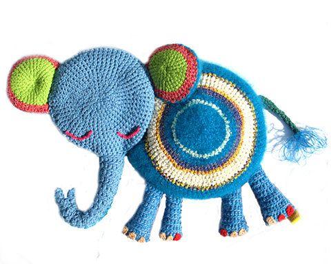 Teeny Tini elephantToysknit Toyscrochet, Knits Crochet, Crochet Toys, Tiny Elephant, Teeny Tiny, Amy Crochet, Knits Toys, Tiny Collection, Crochet Teeny