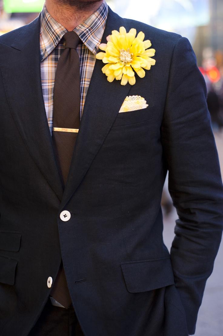 So cheerful: Flowers Lapel, Fashion Ideas, Men Fashion, Navy Suits, Accent Colors, Flowers Ideas, Men Wear, Big Flowers, Florists