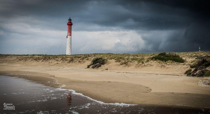 L'Orage arrive au phare de la Coubre à La Tremblade près de Royan et La Palmyre | Pays Royannais | Charente-Maritime Tourisme #charentemaritime | #phare | #lighthouse | © Romain Marsaly