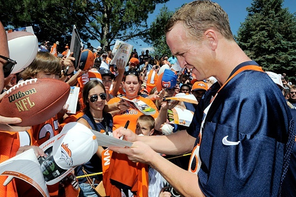 Peyton Manning -- no drama, just performance and leadership! #ProFootballDenverBroncos