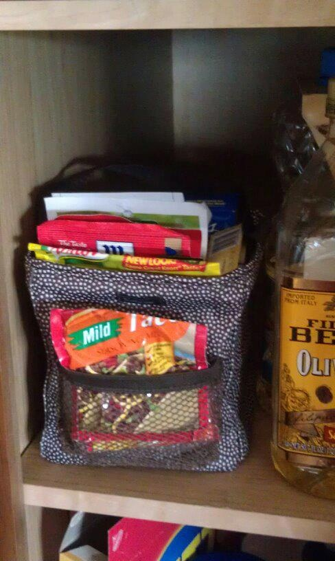 Great idea for the Little Carry All! Store and organize those spice packets! $12