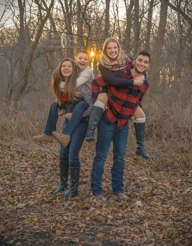 Family Photography with Dog Madison WI;Fall Sibling Photo Ideas;what-to-wear-teenagers;teenage sibling photo pose ideas; © brendaeckhardt.com