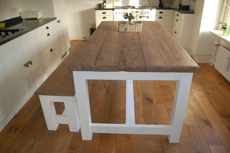 Landelijke brocante kloostertafel eettafel tafel model luik afgebeeld met wit onderstel en - Tafel eetkamer hout wit ...
