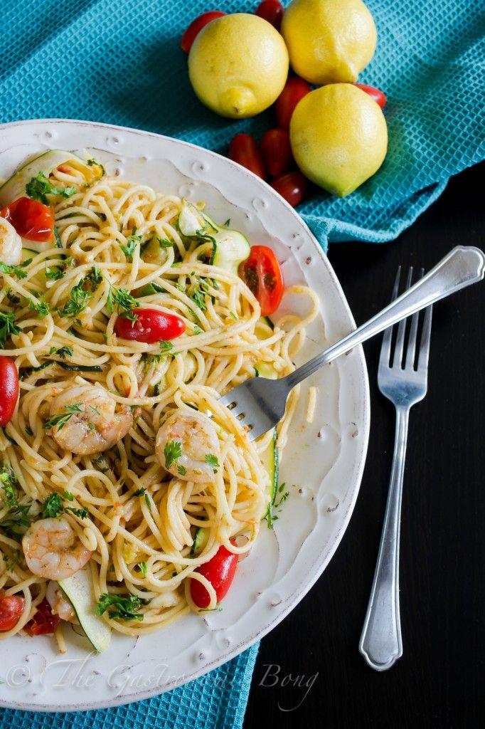 Perfect Summer Pasta- Garlic Prawn Spaghetti with Lemon, Zucchini and Cherry Tomatoes | The Gastronomic BONG