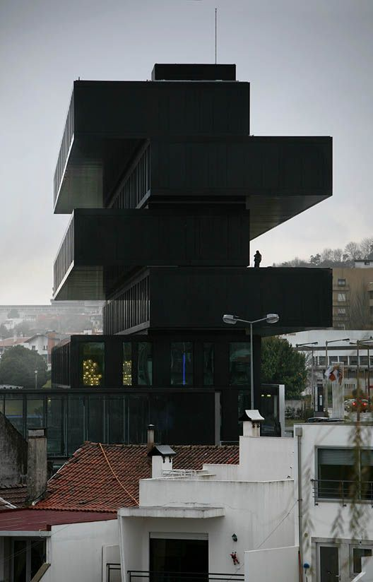 Architectural photographer Nelson Garrido shared with us an amazing set of photos for the Axis Viana Hotel by VHM in Viana do Castelo. This Business & Spa Hotel is an ode to cantilevering, as you can see on the section shown below. http://pinterest.com/pin/224687468879319203/ #cantilver #hotel