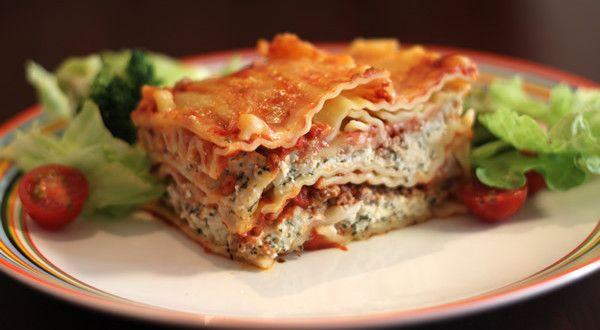 Аппетитное блюдо со звучным именем «Лазанья» представляет собой многослойную запеканку родом из Итал...