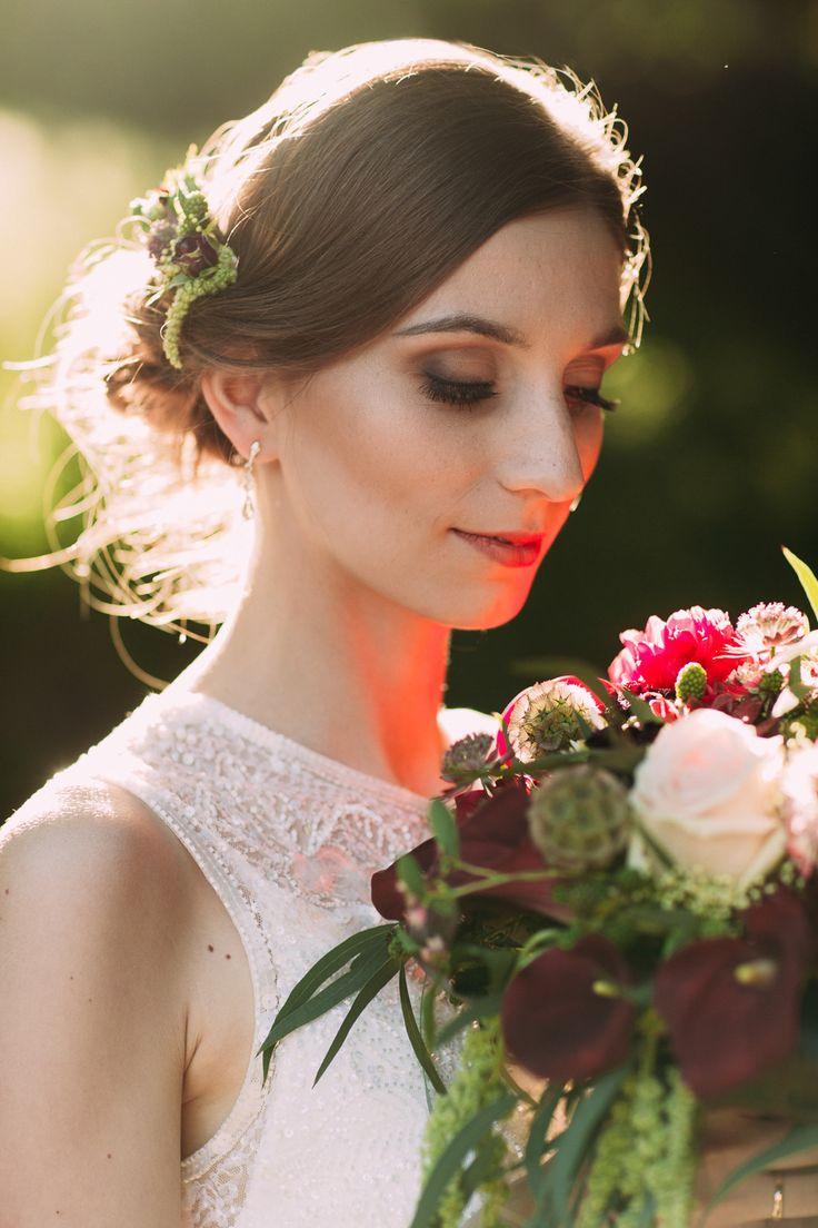 bridal bouquet / marsala wedding / elegacka sesja ślubna / fot. Bajkowe Śluby