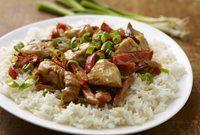 Thaise curry van kip en groente met witte rijst recept | Solo Open Kitchen