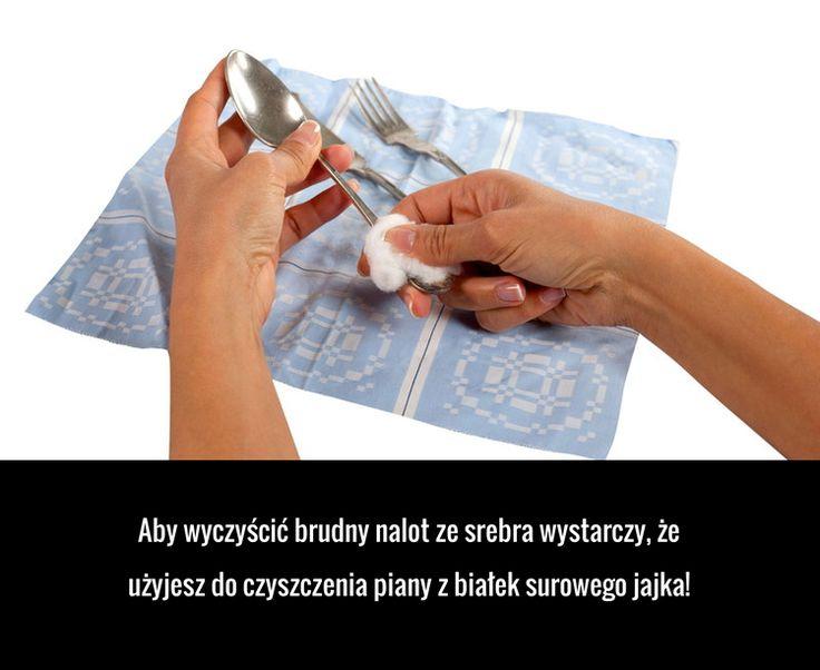 Aby wyczyścić brudny nalot ze srebra wystarczy, że użyjesz do czyszczenia piany z białek surowego jajka!