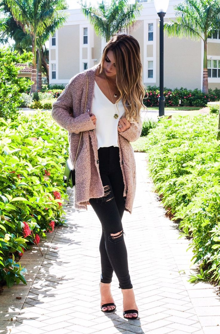 the fall of cozy cardigans, cozy cardigans, pink cardigan, mauve cardigan, free people cardigan, black distressed jeans, leopard heels, black clutch, baublebar layered necklace, cozy style, fall fashion, fall style, fall outfit inspo, #htstravel, naples fl, hts travels