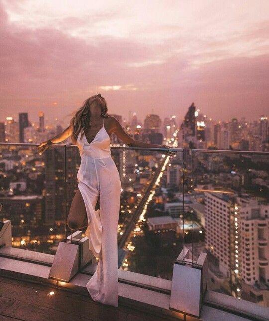 Pin by Ama on extremadamente | Luxury lifestyle fashion, Artistic fashion photography, Fashion