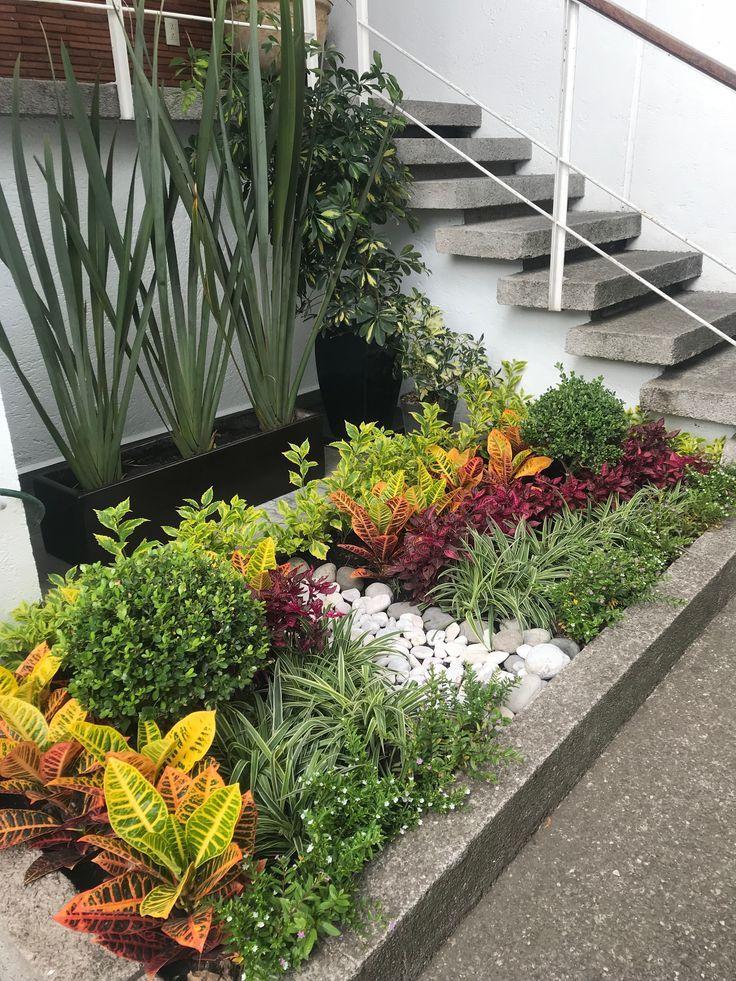 11 Jardineras para entradas de casas