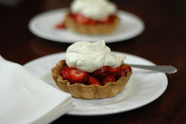 Love this Quick and Easy Strawberry Tart from @orgasmicchef :-)