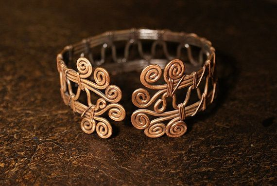 Wire Wrapped Braceletcopper bracelet wire wrapped por BeyhanAkman, $44.00