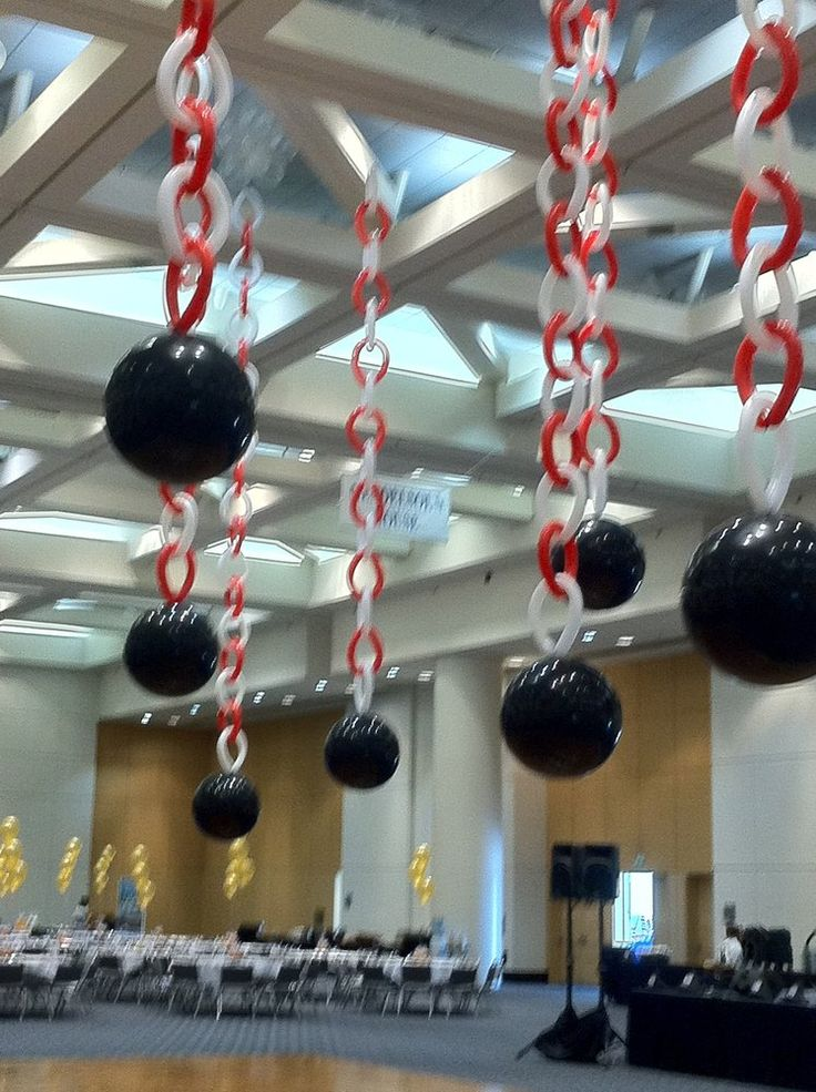 1000 images about balloon ceilings decorations on for Balloon decoration los angeles