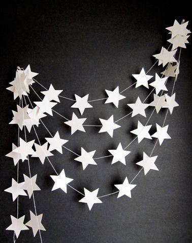 Guirlande étoiles pour une décoration de Noël pas cher !  http://www.homelisty.com/deco-noel-pas-cher/
